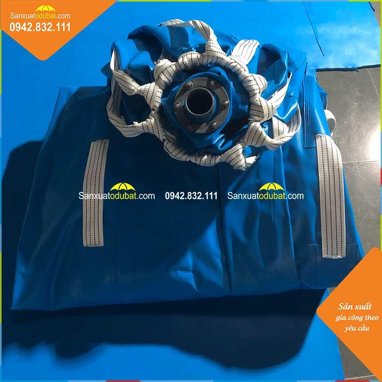 túi chứa nước bằng bạt PVC có thể gấp gọn lại khi không sử dụng hoặc khi vận chuyển